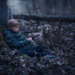 Kinderfotos mit Hund im Leipziger Auenwald