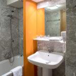 Badezimmer-Hotelbewertung-Tulpe-Production.de