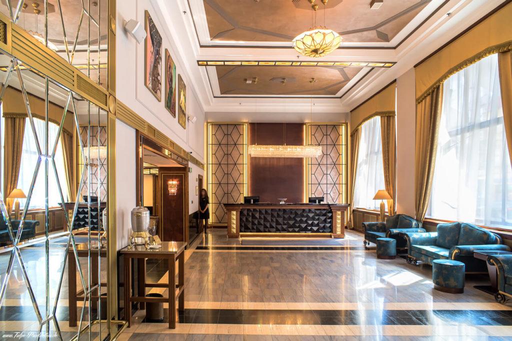 Luxoriöse Lobby im Art Deco Imperial Hotel