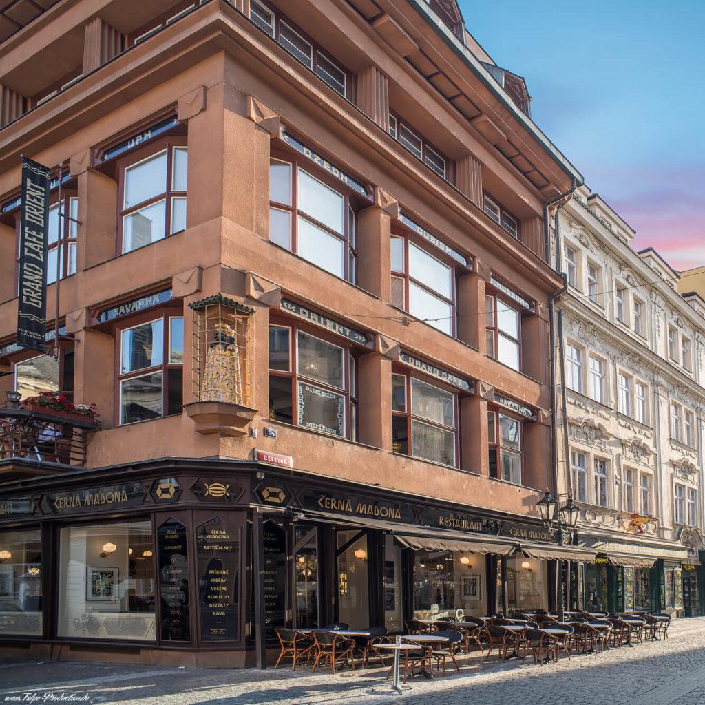 Haus zur schwarzen Muttergottes Prag