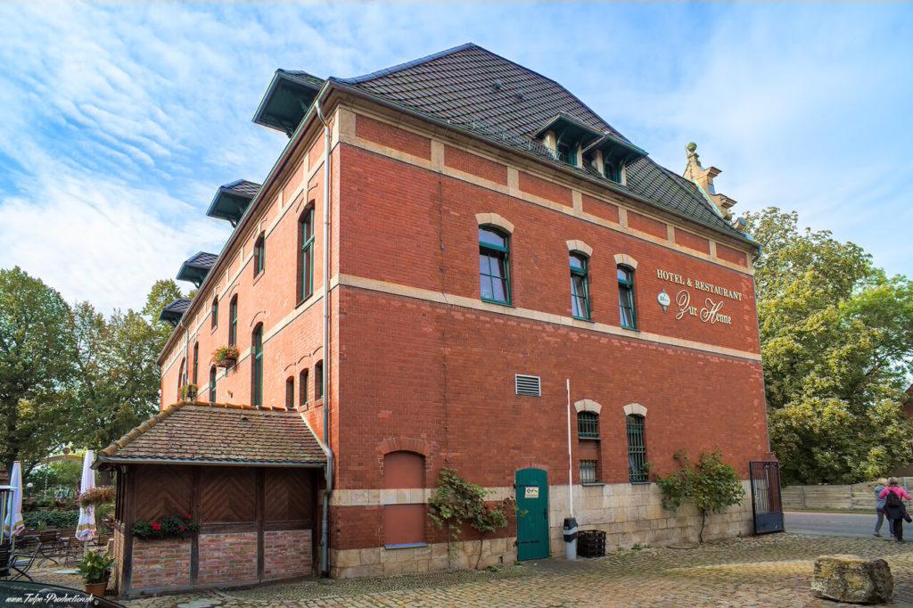 Hauptgebäude Hotel zur Henne Naumburg