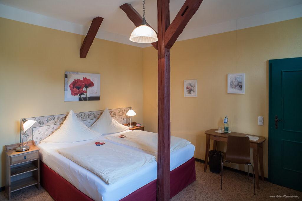 Zimmer 105 im Dachgeschoss