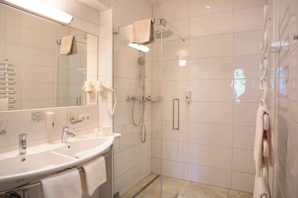 Bad in Zirbenholzsuite Hotel Schwaigerhof