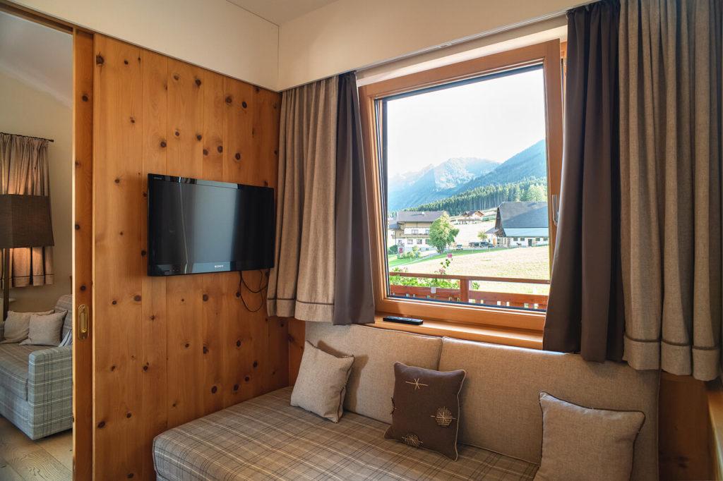 Zirbenholzsuite Vorraum Hotel Schwaigerhof
