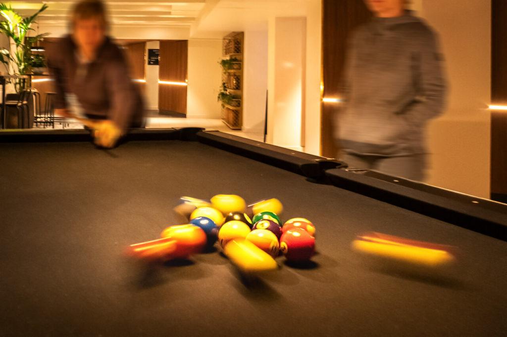 Billiard spielen im Hotel Eden Amsterdam