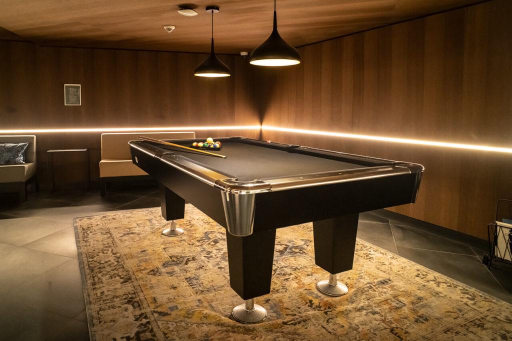 Billiard Tisch im Hotel Eden Amsterdam