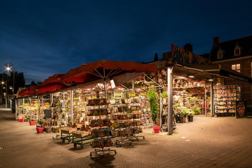 Tulpen Markt bei Nacht